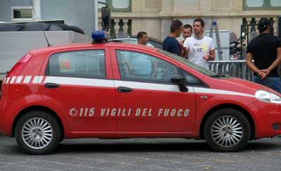 picture of Italian firefighter car