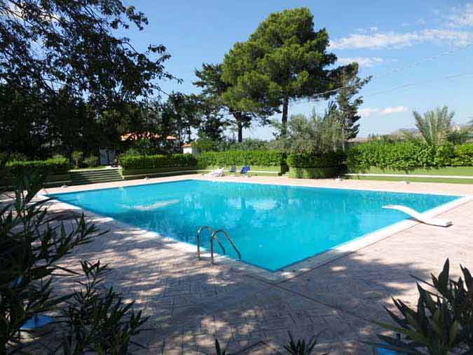 Swimming pool in Sicily at the Casa Mia agriturismo